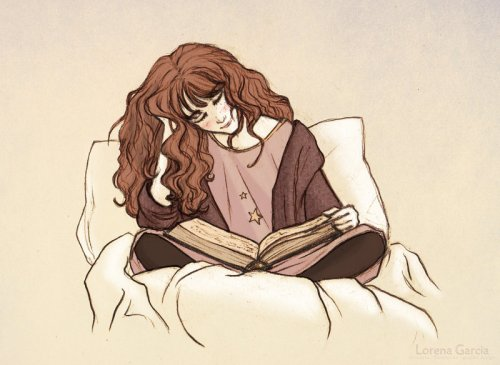 hermione_reading_before_bed_by_lincevioleta-d5t9ofg