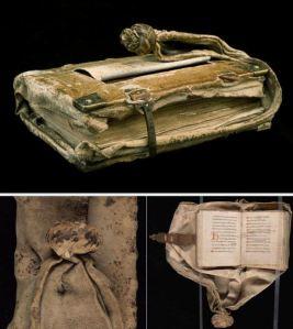 libro-de-cintura-medieval-que-es-girdle-book (1)