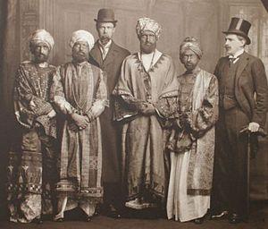 Virginia Wolf está situada a la izquierda de la foto.